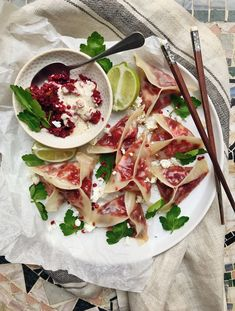 Potstickers med rötbeta och fetaost // Potstickers with beetroots and feta cheese