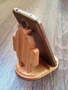 Wooden phone holder robot / phone stand by WoodDecorTM on Etsy