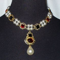 """Queen Jane Seymour"" Carcanet and Cotiere Necklace Parure she´s seen wearing in her famous 1536 portrait by Hans Holbein"