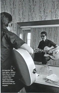 Roy Orbison, London 1964 Travelling Wilburys, Roy Orbison, Music Icon, Music Artists, Guitars, Fictional Characters, Legends, Traveling, Icons