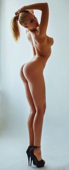 Naked leg wman