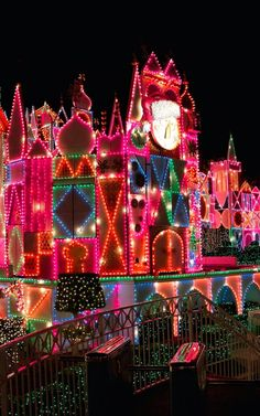 Christmas at Disneyland.♥..¸¸.•♥•