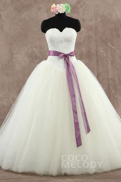 Latest+Princess+Sweetheart++Court+Train+Tulle+Ivory+Sleeveless+Lace-up+Corset+Wedding+Dress+with+Sashes+HS7737