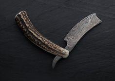 Handmade Damascus steel straight razor with Stag Horn handle