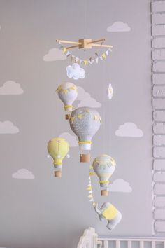 Find inspiration to create a room with cloud decoration with the latest interior design trends. More at circu.net.