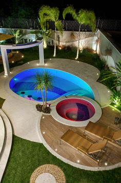 Stock Tank Swimming Pool Ideas, Get Swimming pool designs featuring new swimming pool ideas like glass wall swimming pools, infinity swimming pools, indoor pools and Mid Century Modern Pools. Find and save ideas about Swimming pool designs. Pool Spa, Outdoor Pool, Outdoor Spaces, Outdoor Lounge, Outdoor Living, Moderne Pools, Pool Landscape Design, Luxury Pools, Small Pools