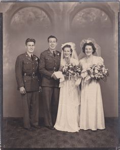 Vintage 1942 WWII US Army Soldiers w Brides