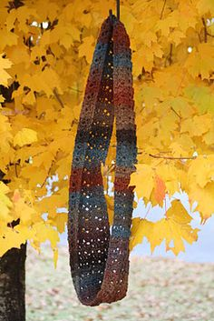 CroCreations: To Infinity and Beyond.......scarf pattern. Love the yarn color
