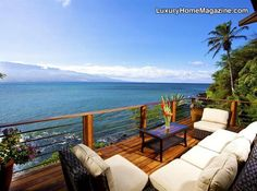 Luxury home with direct ocean frontage: experience the finest materials and craftsmanship in this luxury estate!