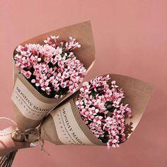 wrap up fake flowers in brown paper bag instead of vase