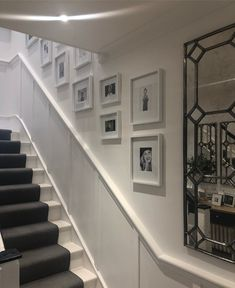Gallery wall above a dado/hand rail on the stairs Stair Wall Decor, Wall Railing, Staircase Railings, Modern Staircase, Loft Staircase, Staircase Ideas, Staircases, Dado Rail Hallway, Colores Paredes