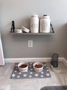 Dog Toy Storage Such a cute dog breakfast nook!Such a cute dog breakfast nook! Animal Room, Dog Breakfast, Dog Station, Dog Feeding Station, Dog Room Decor, Pet Decor, Dog Bedroom, Dog Toy Storage, Puppy Room