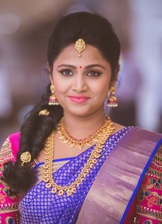 Shopzters is a South Indian wedding site wedding engagement hairstyles 2019 - New Bridal Hairstyle, South Indian Bride Hairstyle, Indian Wedding Hairstyles, My Hairstyle, Bride Hairstyles, Ethnic Hairstyles, Bridal Updo, Indian Reception, Engagement Hairstyles