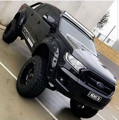 The Ford Ranger Wildtrak is the current king of the 'lifestyle ute' segment. It offers a unique look to the rest of the Ranger lineup, and is aimed squarely at buyers who want their ute to work harde. Ford Ranger 2016, Ford Ranger Limited, Ford Ranger Truck, Ford Ranger Raptor, Ford Pickup Trucks, Small Trucks, Big Trucks, Ford Ranger Modified, Accessoires 4x4