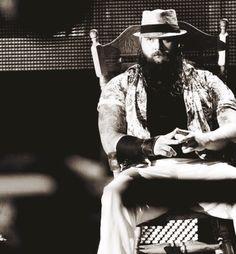 Sometimes, I like this guy. Wwe Bray Wyatt, Erick Rowan, The Wyatt Family, Lucha Underground, New Face, Wwe Superstars, Reign, Cool Photos, Bae