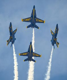 See the Blue angels √ WOW! Based in Pensacola, FL, the Blue Angels put on breath taking shows on Pensacola Beach, as well as around the US. check their schedule for a show near you! Military Jets, Military Aircraft, Fighter Aircraft, Fighter Jets, Avion Jet, Us Navy Blue Angels, Uss Arizona, Glendale Arizona, Go Navy