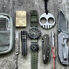 I like this EDC very simple but with all necessities.