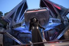 Disneyland's Star Wars: Rise of the Resistance will Utilize Virtual Queue Disney World Resorts, Disney Vacations, Han Solo And Chewbacca, Walt Disney Imagineering, Star Tours, Disney Rides, Disney Theme, Disney Food, Disney Stars