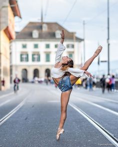 Beautiful photo of Alessia Marcone captured by Giovanni Malandrino 💖 Dance Photos, Dance Pictures, Ballet Girls, Ballet Dancers, Ballet Photography, Street Photography, Street Ballet, Dance Rooms, Lets Dance