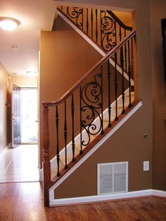 Iron balusters in 2019 Wrought Iron Stair Railing, Iron Balusters, Balustrade Inox, Staircase Remodel, Interior Stairs, Staircase Design, Home Remodeling, Sweet Home, New Homes