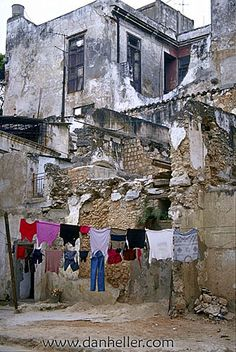 Life goes on. Pantry Laundry Room, Laundry Drying, Doing Laundry, Cuba, Laundry Lines, Puerto Rico, Clothes Dryer, Urban Life, Hanging Out