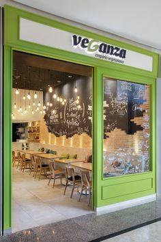 Veganza, Barra Shopping - 2017. Retail Design I Shop Spaces I Restaurant I Vegan Food I Interior Architecture I Design de Interiores I Projetos Comerciais.