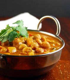 Holy Cow Vegan: Chickpea Curry - South Indian style.