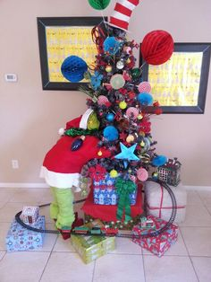 Dr Seuss Christmas Tree Topper Cheap - Trees grinch christmas tree christmas group seuss christmas christmas