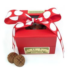 Anybody said treat? Christmas Snickerdoodles Organic Dog Cookies. The perfect stocking stuffer or hostess gift.