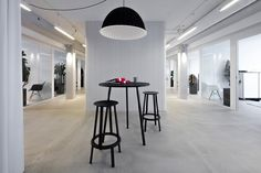 Small meeting spot #bartable #meetingarea #office #Ideas #IdeasDesign #Malmo #interiordesign #officedesign #graphic #blackandwhite