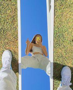 Summer Aesthetic, Aesthetic Photo, Aesthetic Pictures, Poses For Pictures, Picture Poses, Photo Poses, Indie Kids, Instagram Pose, Selfie Poses