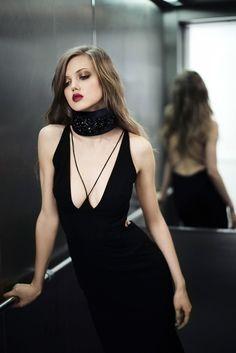 Trend I fashion I spring summer 2016 I ready to wear I deep decollete I alexandre vauthier I sexy black dress I monochrome I glamorous evening style @monstylepin