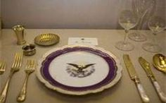 President John F. Kennedy 's White House China - JFK 's administration. Jacqueline Kennedy liked to use the White House China from other presidents, mixing and matching the sets. White House Usa, Mary Todd Lincoln, New China, Royal Residence, Dinning Table, China Patterns, China Porcelain, American History, Cooking