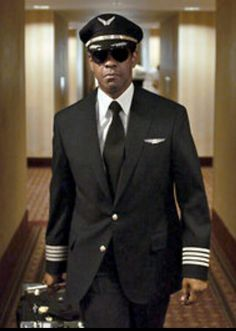 Denzel Washington is Whip Whitaker in Paramount Picture's FLIGHT Watched this movie yesterday,,, he makes a pilot uniform look real good, great movie. Tony Soprano, Great Movies, New Movies, Movies And Tv Shows, Pilot Uniform, Men In Uniform, Martin Scorsese, Breaking Bad, Vernon