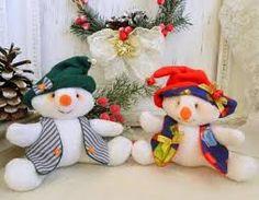 Resultado de imagen para muñecos navideños Handmade Christmas Crafts, Beer Day, Large Paper Flowers, Christmas Wreaths, Christmas Ornaments, Snowman, Holiday Decor, Outdoor Decor, Etsy