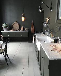 1,530 mentions J'aime, 10 commentaires - @interior_delux sur Instagram : « Black Beauty ♠️ Via Houzz #kitchen #kitchendesign #kjøkken #interior_delux »