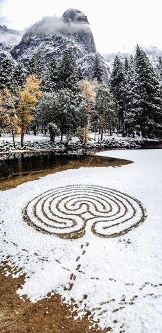 Labyrinth Maze: in snow, Merced River, California, USA. Image by Lars Howlett. Wicca, Labyrinth Maze, Merced River, Labrynth, Meditation Garden, Crop Circles, Land Art, Art Moderne, Winter Solstice