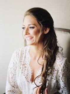 Wedding Hair, Beyoutiful Hair Designs, Photo: Tracy Enoch Photography - Texas Wedding http://caratsandcake.com/ninaandnick