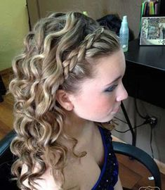 Cute Curly Half Up Hair for Prom Hairstyle Idea   Everyday     15  Must See Hochsteckfrisuren   Half Updos f    r langes Haar