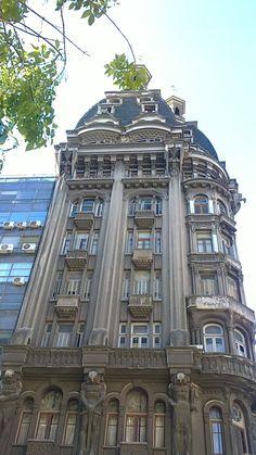 Av Belgrano esquina Perú