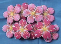 I love the way that some members made cherry flowers. I had some cookies and two… Summer Cookies, Fancy Cookies, Iced Cookies, Cute Cookies, Easter Cookies, Birthday Cookies, Cookies Et Biscuits, Heart Cookies, Valentine Cookies