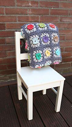 Ravelry: Bobble Flower Granny Square Blanket pattern by Revlie Schuit.
