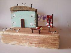 #driftwood #littlecottage #sculpture #washingline #boat #seagulls #sea #seaside #herbour #bench #trend #collectibles #collection #homedecor #art #rustic #rustichouse #fishermencottage #facebook #instagram #coast #mint #miniature #etsyseller #etsyshop #sun #summer #woodart #reclaimed