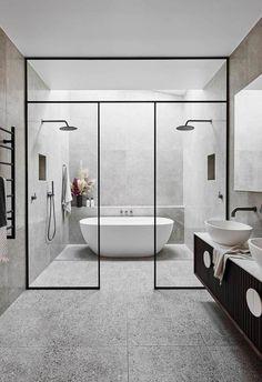 Alisa y Lysandra de The Block renuevan una casa histórica Modern Master Bathroom, Modern Bathroom Design, Bathroom Interior Design, Master Bedroom, Master Bathrooms, Bathroom Mirrors, Bathroom Cabinets, Minimal Bathroom, Marble Bathrooms