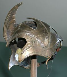 Google Image Result for http://files.fantasy-armour.webnode.cz/200000036-6382b647d0/helm_146_nz_la_med.jpg