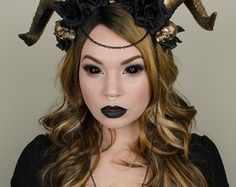 Black and gold skull headdress - maleficent goth crown - halloween costume Dark Fairy Costume, Demon Costume, Costume Makeup, Succubus Costume, Black Costume, Fairy Costumes, Costume Halloween, Halloween Make Up, Elf Costume