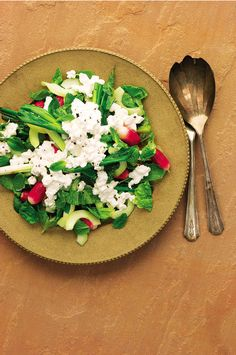 This fresh crunchy salad with peppery radishes and cottage cheese is a quick and simple meal. It also makes for a fantastic sandwich filling, stuff it into pitta or any type of flat bread. Lettuce Recipes, Cucumber Recipes, Cucumber Salad, Healthy Salad Recipes, Spring Onion Recipes, French Breakfast Radish, Cottage Cheese Recipes, Delicious Magazine, Onions