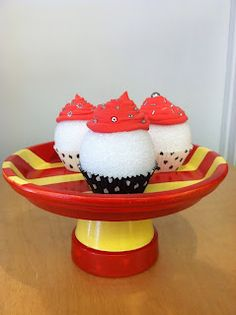 Terracotta Cake Stand   #DIY #cakestand