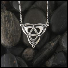 With the pendant attached, the necklace is about Item number: Original designs © Stephen Walker Prices subject to change. Please call or email fo Más Jewelry Art, Silver Jewelry, Jewelry Accessories, Jewelry Design, Fashion Jewelry, Jewellery, Silver Rings, Celtic Necklace, Irish Jewelry