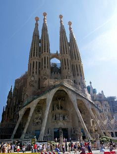 Iconic view of La Sagrada Familia in #Barcelona #Spain